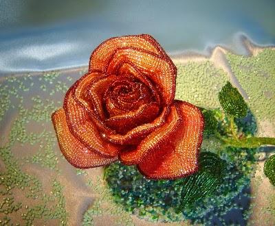 171 300x247 роза из бисера